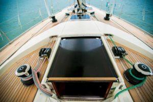 Mes conseils pour l'entretien du teck sur les ponts de bateau