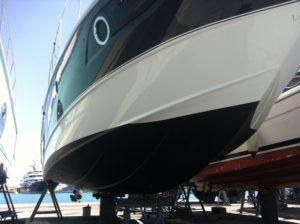 carénage antifouling bateau chantier naval preparation coque